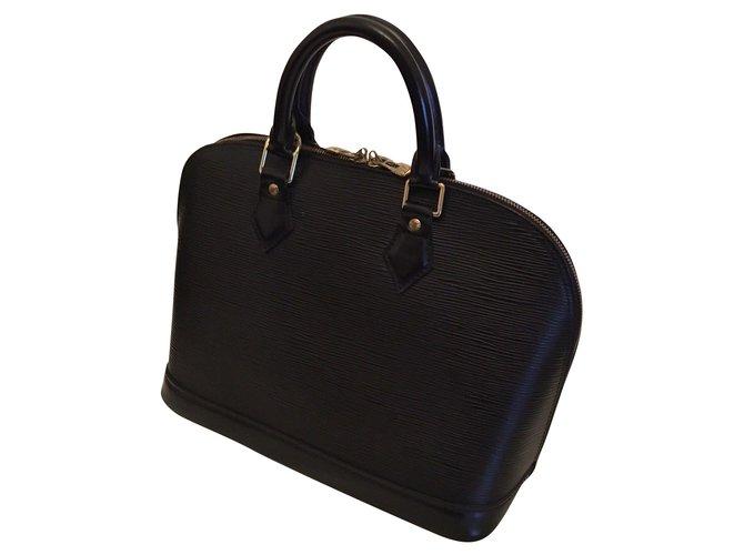 b92206f0839 Sacs à main Louis Vuitton ALMA cuir épi Cuir Noir ref.56547 - Joli ...
