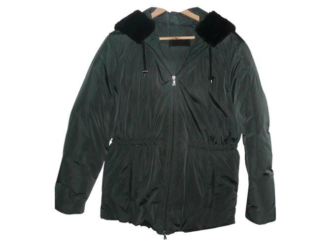 Manteaux Prada Doudoune Prada nylon Noir ref.56691 - Joli Closet c0a2135250a