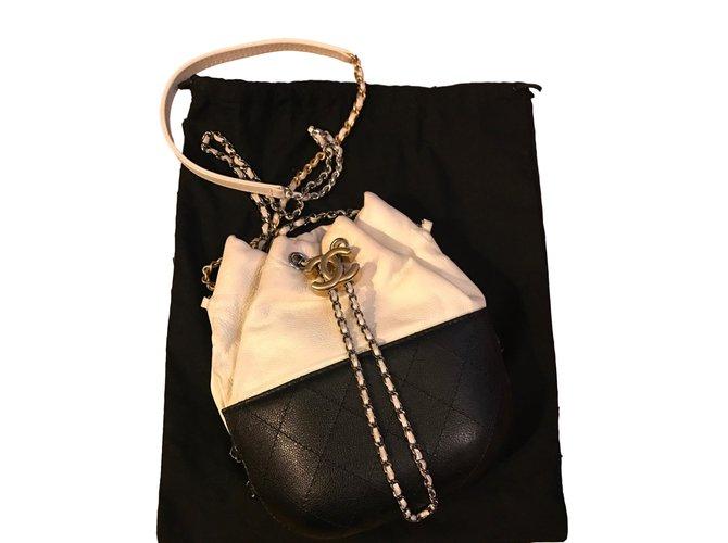71b41b2614b056 Chanel Gabrielle. Handbags Leather Black ref.56717 - Joli Closet