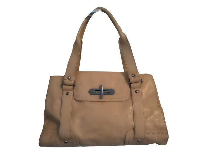 Kenneth Cole Handbags Leather Beige Ref 56964