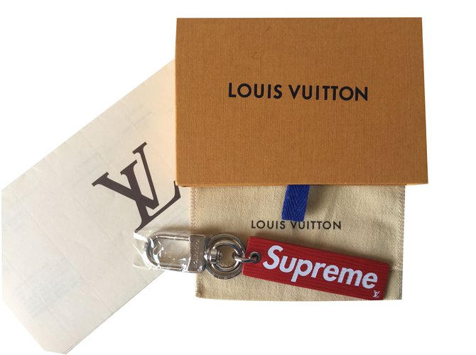 06942d44506a Louis Vuitton Louis Vuitton x Supreme Purses
