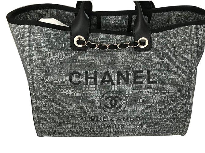 637c1eb41a2 Sacs à main Chanel Deauville Large Tote Toile Gris ref.57773 - Joli ...