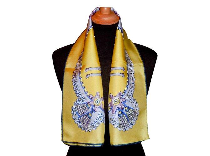 f413bdefe1e9 Foulards Hermès PAPEROLES Soie Jaune ref.57907 - Joli Closet