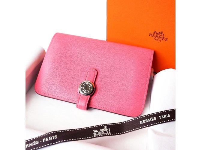 a9fd61f40d4 Hermès Dogon Wallets Leather Pink ref.58332 - Joli Closet