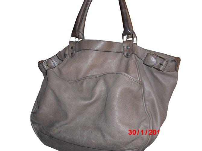 b08f3decf92 Vanessa Bruno LUNE Handbags Leather Grey ref.58351 - Joli Closet