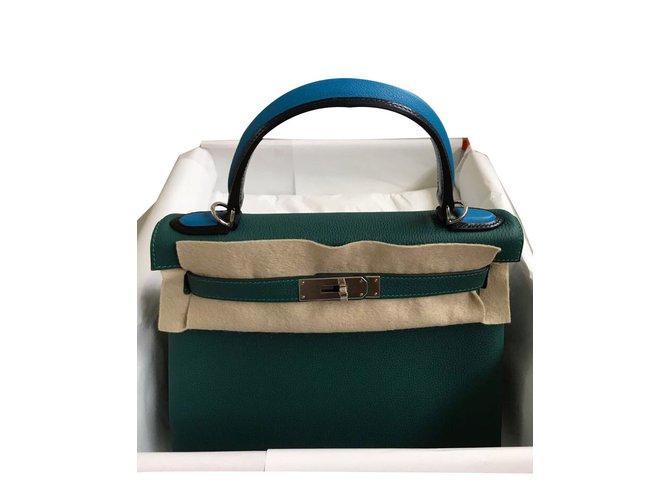 Sacs à main Hermès Kelly Cuir Vert ref.59635