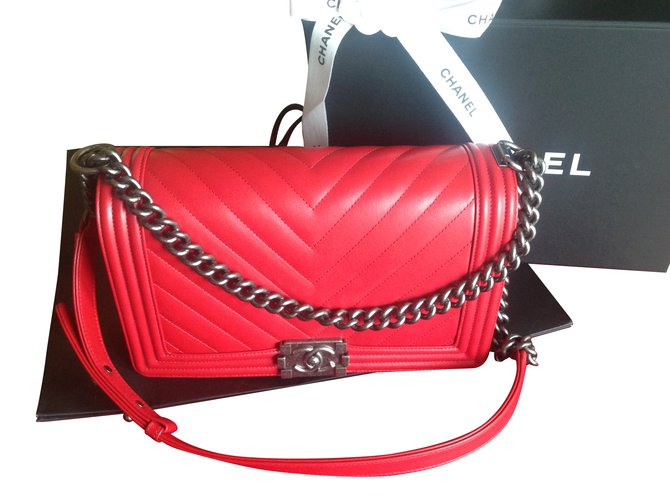 8d3faa2df11e Chanel Chanel boy 28 Handbags Leather Red ref.60148 - Joli Closet