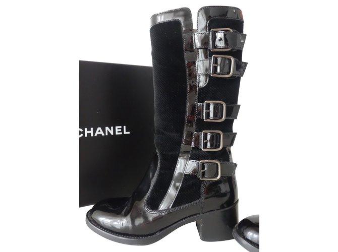 60177d67a Chanel Boots Boots Velvet,Patent leather Black ref.60233 - Joli Closet
