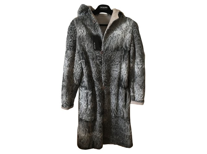 Yves Salomon Coats, Outerwear Coats, Outerwear Fur Grey ref.60522