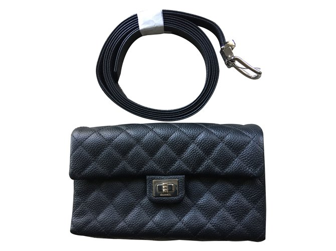 7d2f9cd02fc9 Chanel Chanel uniform Belt Clutch bags Leather Black ref.61529 ...