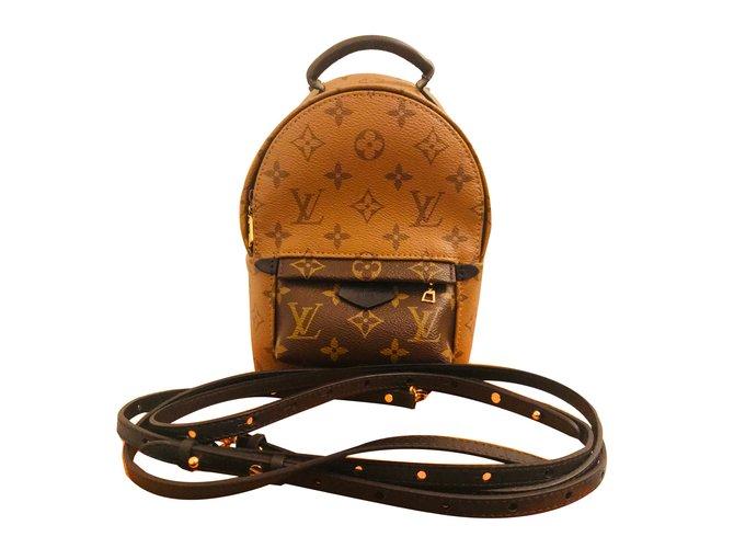 f0caf2b94a07 Sacs à dos Louis Vuitton Palm Springs Mini Cuir Caramel ref.61713 ...