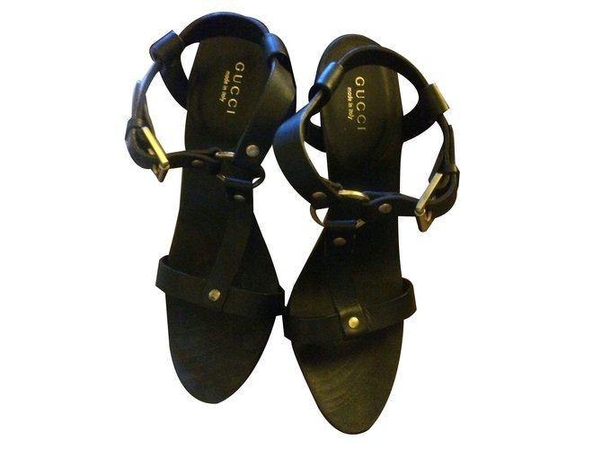 673c9a4c82a7 Gucci Sandals Sandals Leather Black ref.61767 - Joli Closet