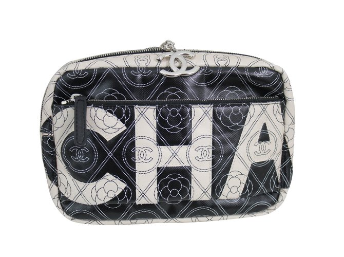 4b59310f7ce7 Chanel Camera 2018 Handbags Cloth Black ref.62105 - Joli Closet