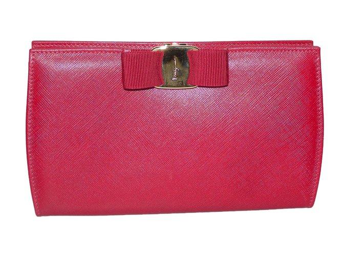 Salvatore Ferragamo Vara Clutch bags Leather Dark red ref.63071 ... 38ca42e1e44a1