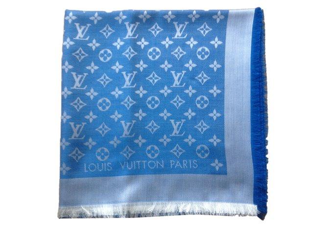 9cae37fa5590 Foulards Louis Vuitton Foulards Soie Bleu ref.63079 - Joli Closet
