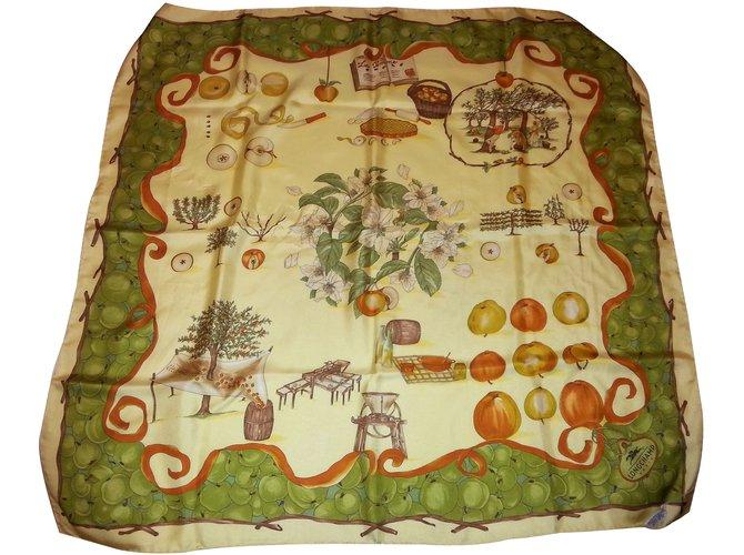 Carrés Longchamp Carré la pomme Soie Multicolore ref.63391 - Joli Closet ffe92c2eac5