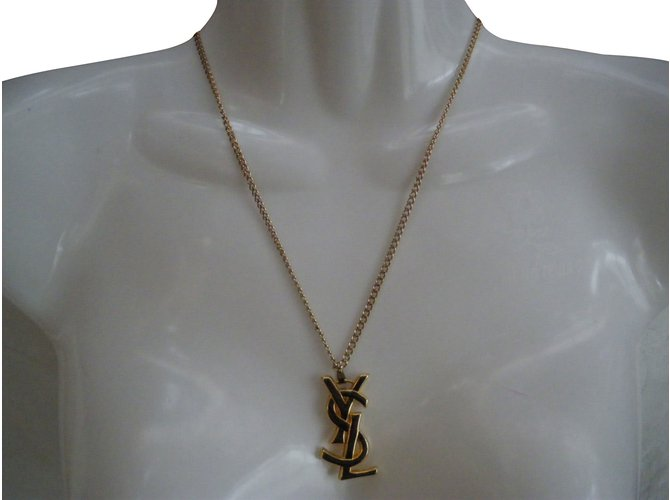 18a611dc18f Yves Saint Laurent Necklaces Necklaces Metal Golden ref.63704 - Joli ...