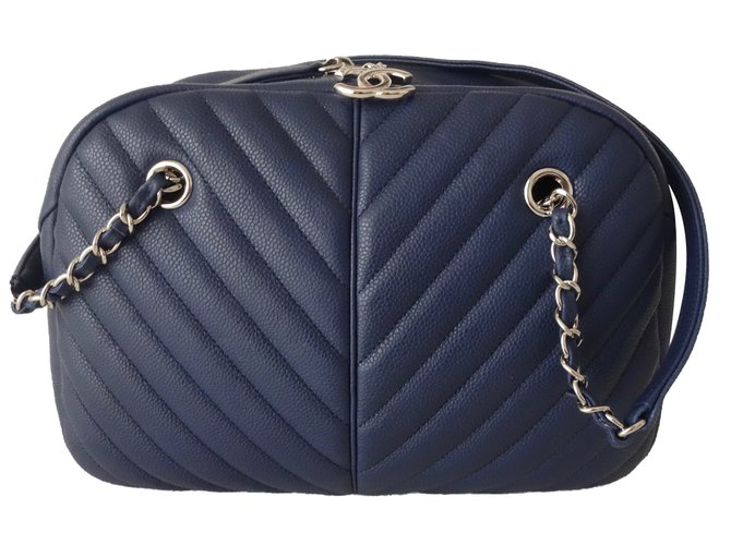 2d9895547368c Chanel CHANEL BOWLING CHEVRON Handbags Leather Navy blue ref.64362 ...
