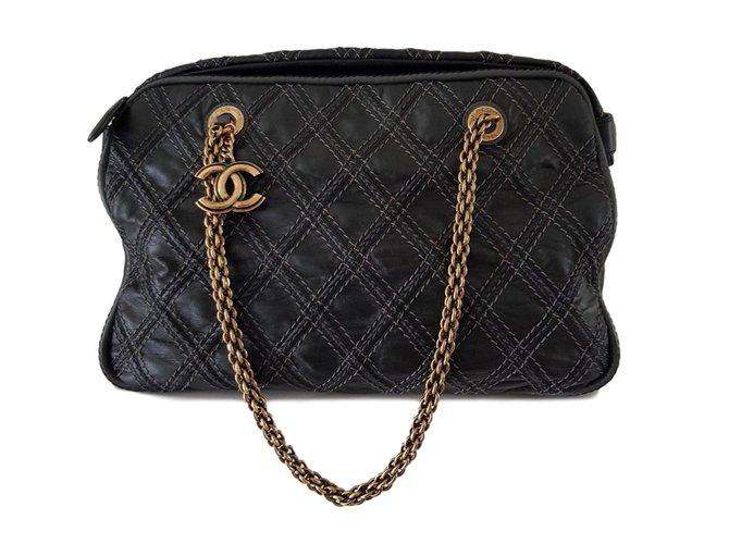 Sacs à main Chanel Sac Chanel caméra Cuir Noir ref.64390
