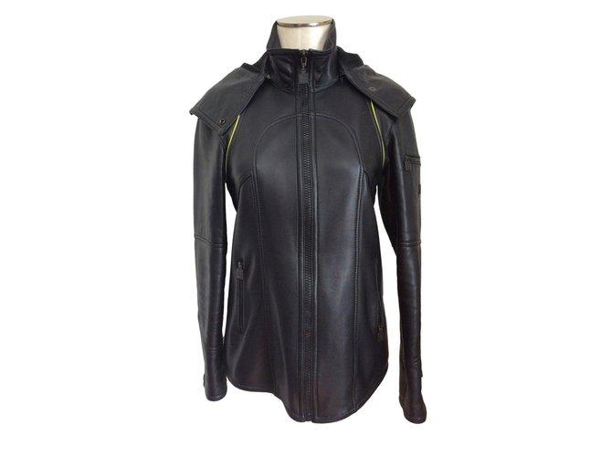 Chanel leather Jacket Black  ref.64398