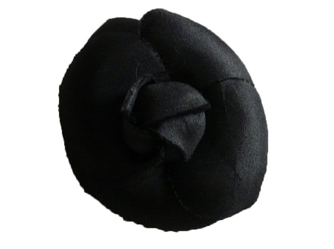 Chanel Pins & brooches Pins & brooches Silk Black ref.64648