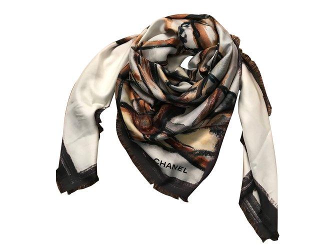 5b0f8d4b29c Foulards Chanel FOULARD SOIE Soie Multicolore ref.64917 - Joli Closet