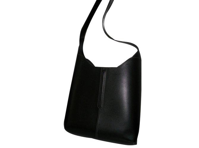 9b605d2b4ea5 Lancel Handbags Handbags Leather Black ref.65715 - Joli Closet