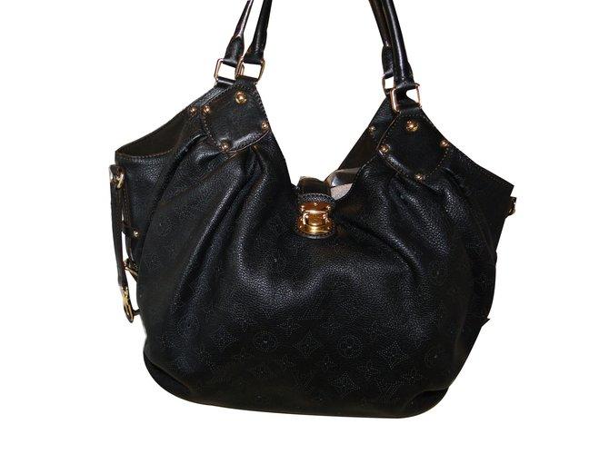 5411f11b5289 Louis Vuitton Handbags Handbags Leather Black ref.65726 - Joli Closet