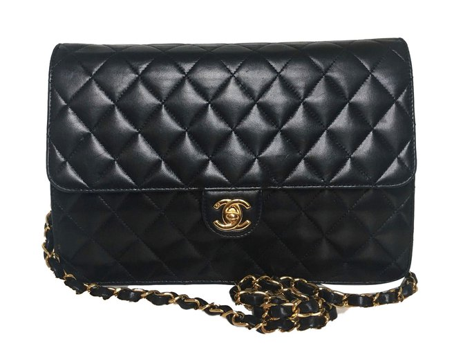 Chanel Handbags Leather Black Ref 65842