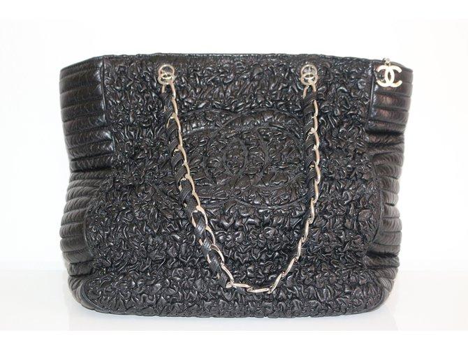 a1200dfbf63f Chanel XXL tote Handbags Leather Black ref.66169 - Joli Closet