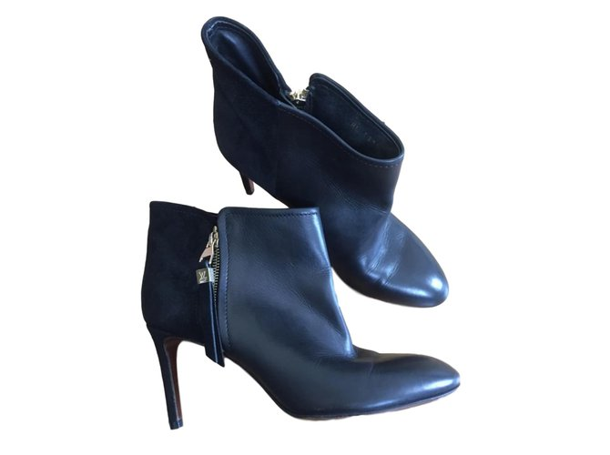 0a00853968b2 Louis Vuitton Ankle Boots Ankle Boots Leather Black ref.66182 - Joli ...