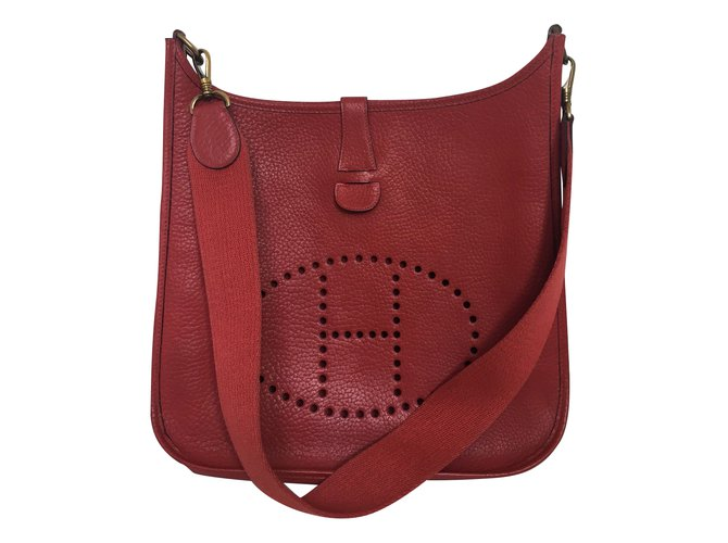 7c952be97a31 Hermès Evelyne GM Handbags Leather Red ref.66226 - Joli Closet