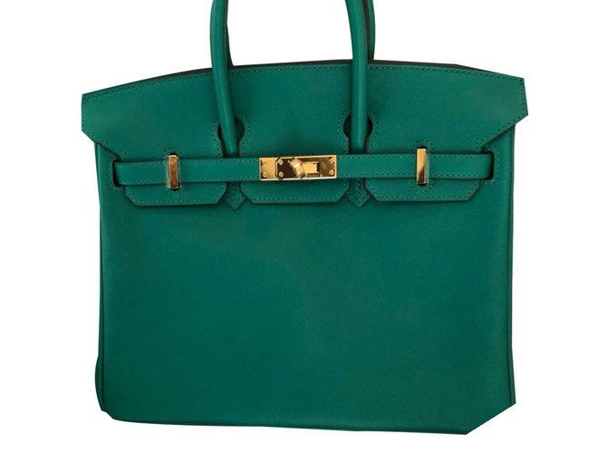 Sacs à main Hermès Birkin 25 Cuir vernis Vert ref.61971