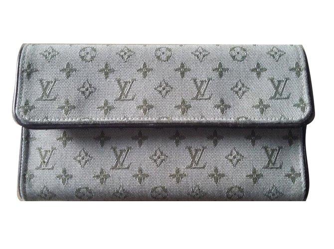 57bd040b38b45 Portefeuilles Louis Vuitton Porte-Trésor International monogramme Tissu  Kaki ref.67442