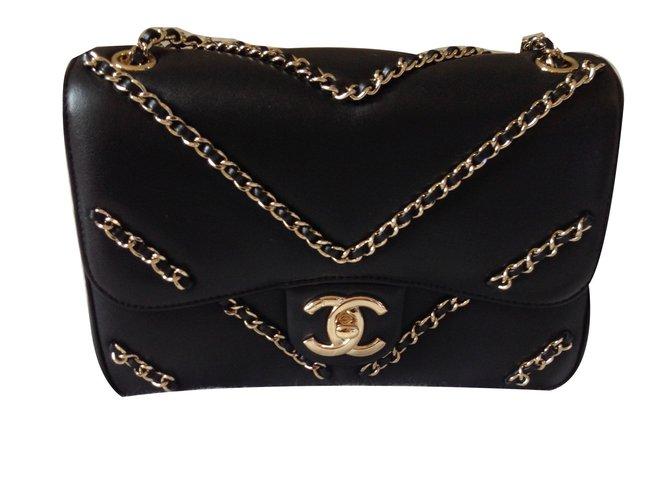 51b8f1cc5a2a Chanel Chevron Handbag Handbags Leather Black ref.67924 - Joli Closet