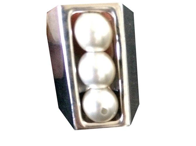 Bagues Chanel Bague Chanel perles rotatives Métal Doré,Blanc cassé ref.68121