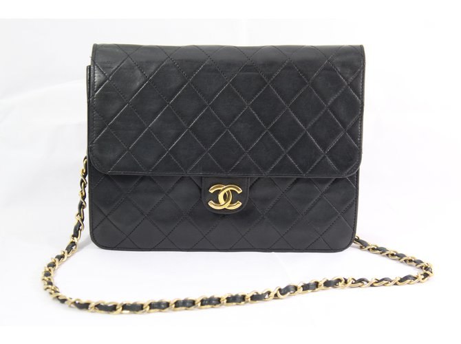 Chanel mademoiselle Handbags Leather Black ref.68177 - Joli Closet b1afd4f41b97e