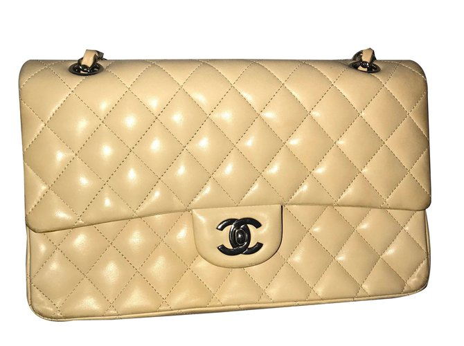 Chanel Timeless Handbags Leather Beige ref.69749