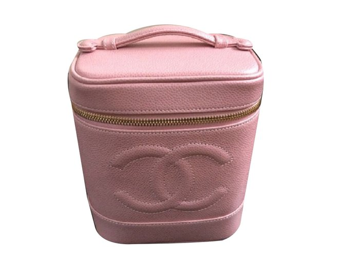 8421c740a173ed Chanel CHANEL Beauty Case Travel bag Leather Pink ref.69979 - Joli ...