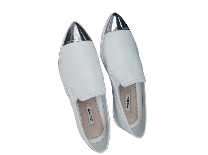 362b0cbf20f Miu Miu Loafers Flats Leather White ref.70356 - Joli Closet