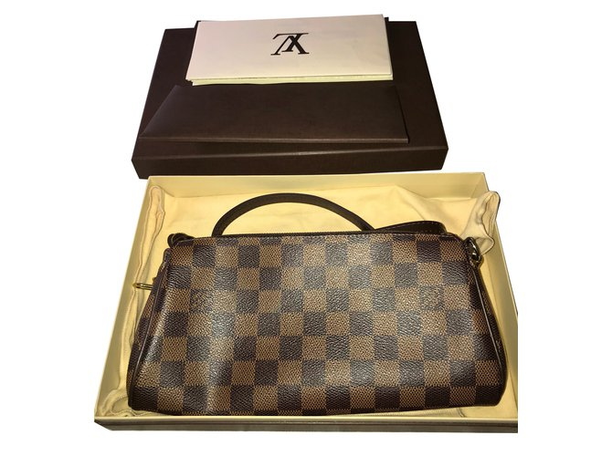cc781b8031fa Louis Vuitton Eva Clutch bags Leather Brown ref.70911 - Joli Closet