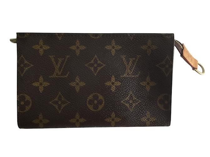 02112553e19 Clutch bag