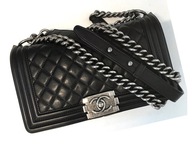 f810b241e420 Chanel BLACK QUILTED LAMBSKIN MEDIUM BOY FLAP BAG WITH RUTHENIUM HARDWARE  Handbags Leather Black ref.