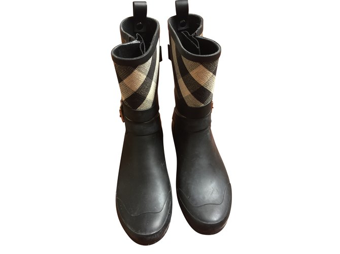 Burberry boots Boots Cloth,Plastic Black,Multiple colors ref.72137