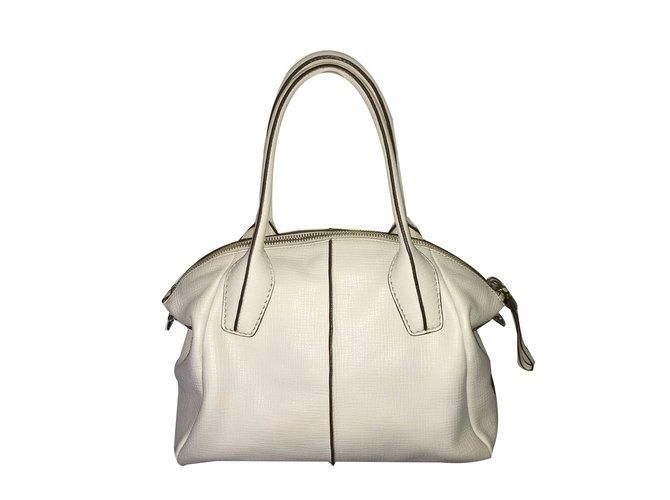 37b1c29bf3add Tod's D.D. Bag Handbags Leather Eggshell ref.72305 - Joli Closet
