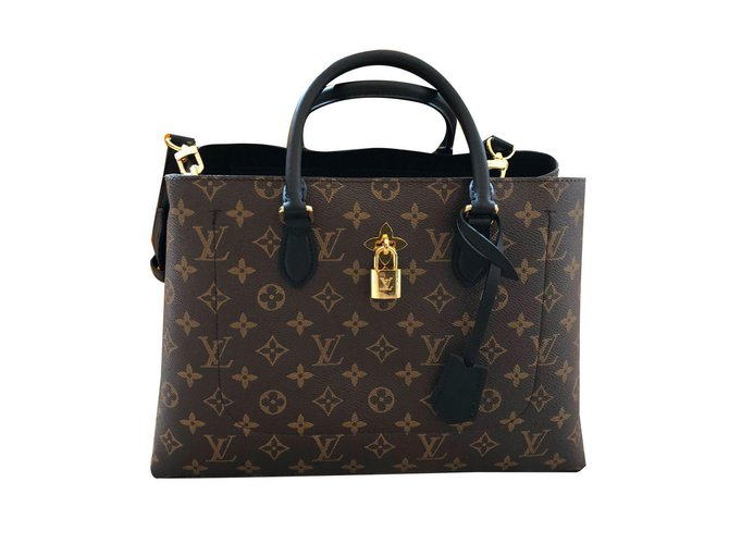 Louis Vuitton Handbags Handbags Cloth Grey ref.72510 - Joli Closet 87987496856