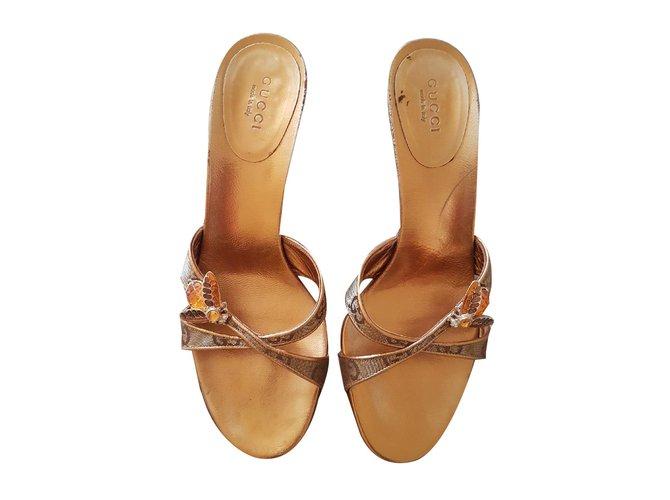 19b0d55cd9c Gucci Mules Mules Leather Golden ref.72550 - Joli Closet