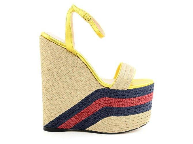 aab20b9bf5f Gucci Wedge mules Wedge mules Leather Golden ref.73217 - Joli Closet