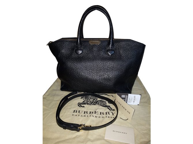 0a7ad8fb199d Burberry Tote bag Handbags Leather Black ref.73339 - Joli Closet