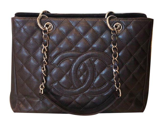 4ea2ca5260d2 Chanel GST Handbags Leather Brown ref.73526 - Joli Closet